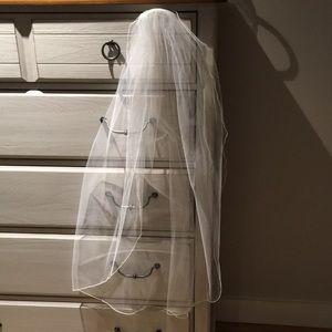 Simple wedding veil